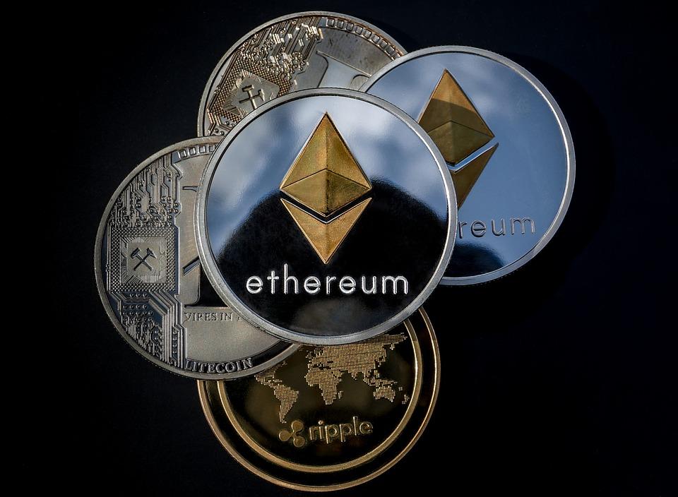 Altcoin: Defenisi, Jenis, Perbedaan dan Keunggulannya dari Bitcoin
