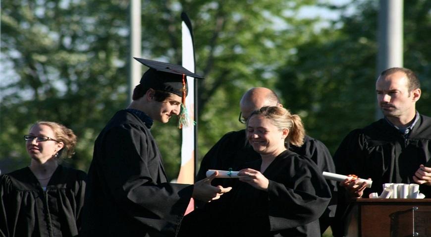 Bunga Mulai 0 5 3 Aplikasi Ini Cocok Untuk Pinjaman Mahasiswa